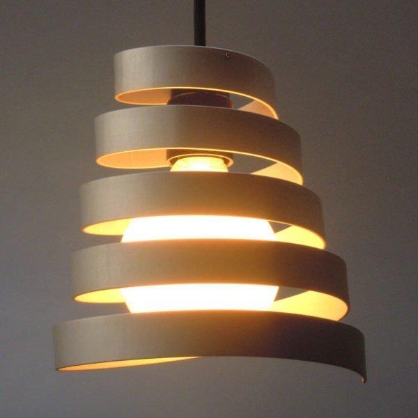 spiraalvormige hanglamp met globe lamp van 95 mm en e 27 socket