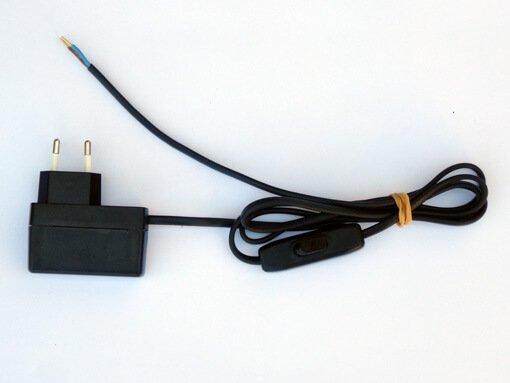 LED transfo 700mA met netsnoer en schakelaar PLP303 QLT voor 1 tot 3 led's