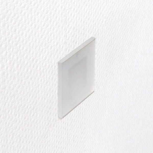 discrete oriëntatieverlichting led 6 x 6 cm op wand