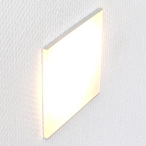 Led oriëntatieverlichting voor inbouwdoos met een doorschijnend mat plexiglas in een aluminium houder 10x10 cm op wand