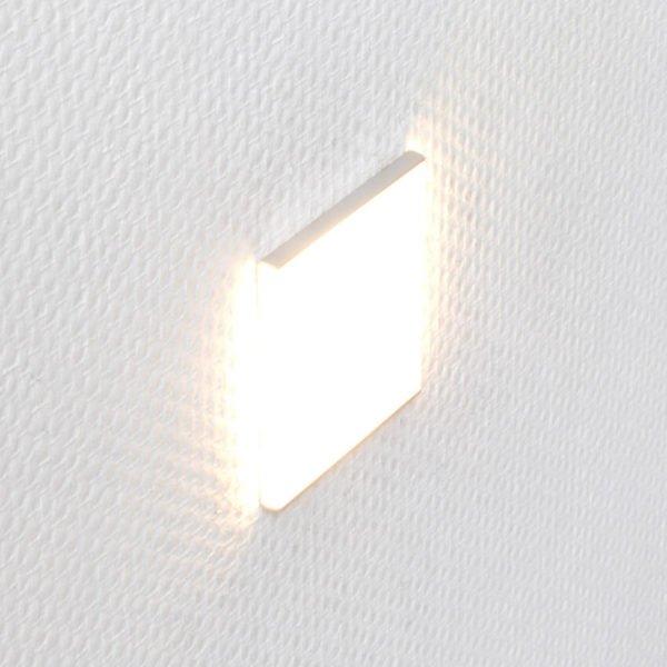 LED oriëntatieverlichting voor inbouwdoos INZO SMALL, met een doorschijnend mat plexiglas in een aluminium houder