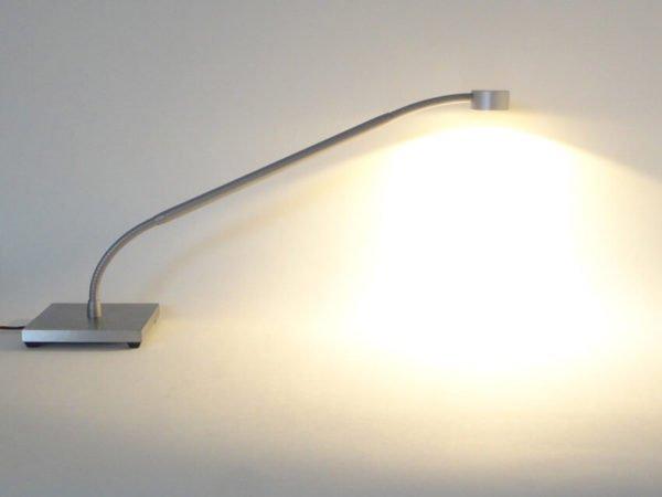Bureaulamp met voet en flexibel met vast middenstuk
