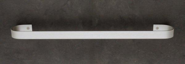 handdoekhouder 50 cm aluminium met schroeven op wand bevestigd