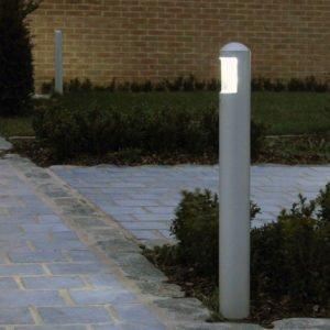 Tuinlamp 62 cm MEDIUM 180 op oprit huis