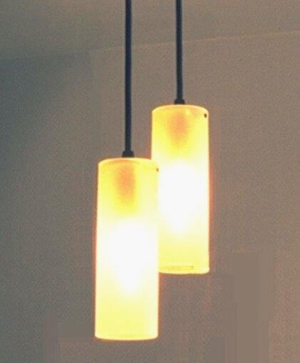 hanglamp met twee lichtpunten in opaal glas